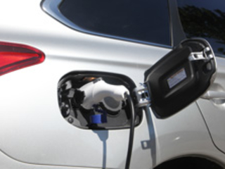 18 582 véhicules hybrides rechargeables vendus en 2019 en France