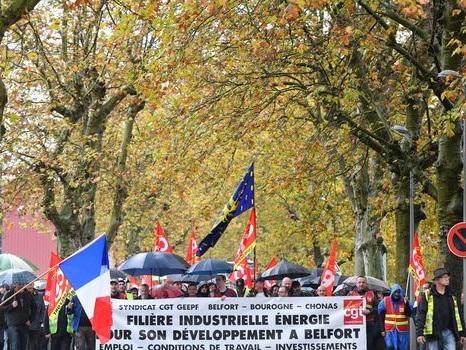 GE Belfort: 2.600 personnes manifestent contre le plan social