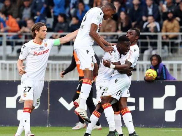 Barrage Ligue 2 : le RC Lens bat le Paris FC aux tirs au but et s'offre le droit de rêver
