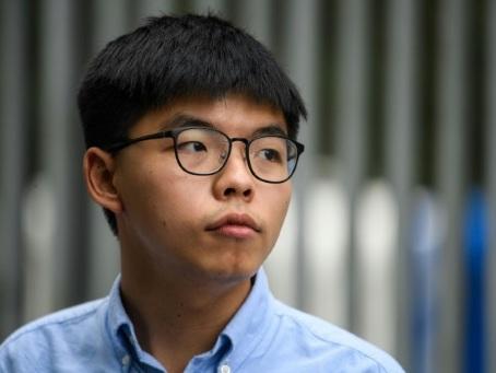 """Le militant pro-démocratie Joshua Wong appelle le monde à """"être solidaire"""" des Hongkongais"""
