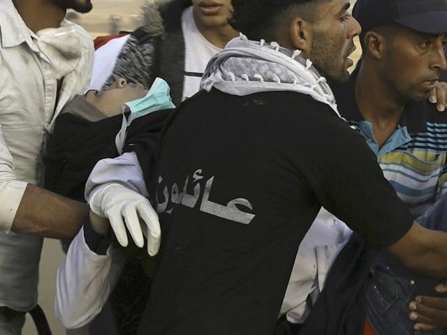 Israël tente de salir Razan al-Najjar, l'infirmière palestinienne qu'il a abattue, en disant qu'elle n'était « pas un ange ». Par Robert Mackey