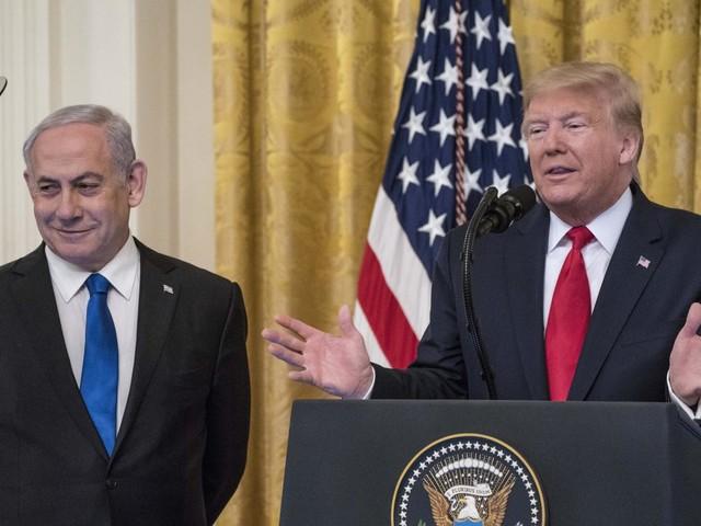 Proche-Orient : Donald Trump dévoile un plan de paix qui satisfait Israël, mais qui est rejeté par les Palestiniens