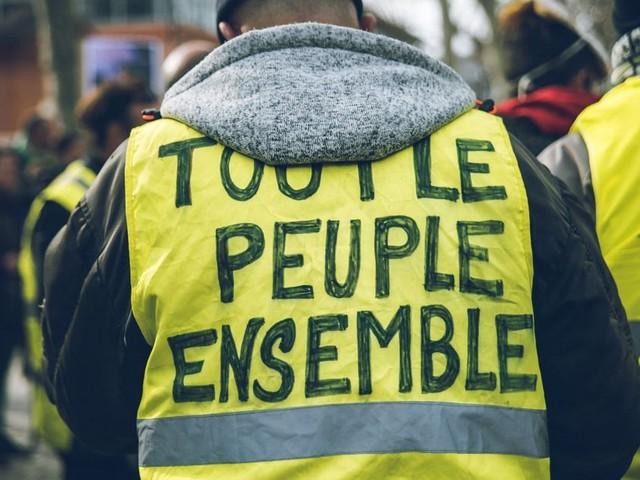 """Les """"gilets jaunes"""" dans la rue pour la dixième fois"""