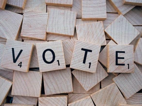 Canada: «si Charest est élu chef du Parti conservateur, il aura les meilleures chances de battre Trudeau»