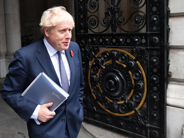Covid-19: Boris Johnson s'isole après un contact avec une personne testée positive