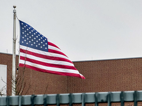 Des roquettes s'abattent sur l'ambassade américaine en Irak