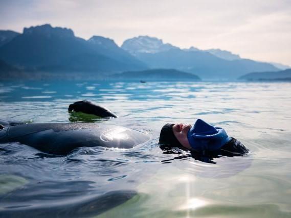 On a testé l'apnée dans le lac d'Annecy