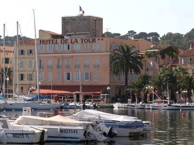 À Sanary-sur-Mer, il est interdit de sortir à plus de 10 m de chez soi