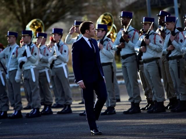 Macron et les présidents du G5 Sahel saluent la mémoire des Français tombés au Mali