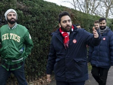 Un jeune travailliste d'origine iranienne défie Boris Johnson dans son fief