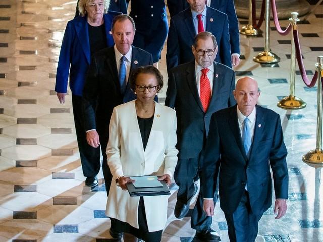 Destitution de Trump: officialisation du procès au Sénat
