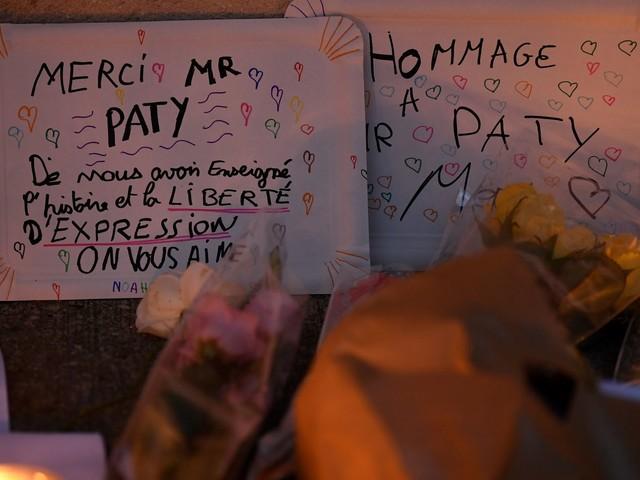 """L'hommage à Samuel Paty """"sacrifié"""" selon des professeurs en colère"""
