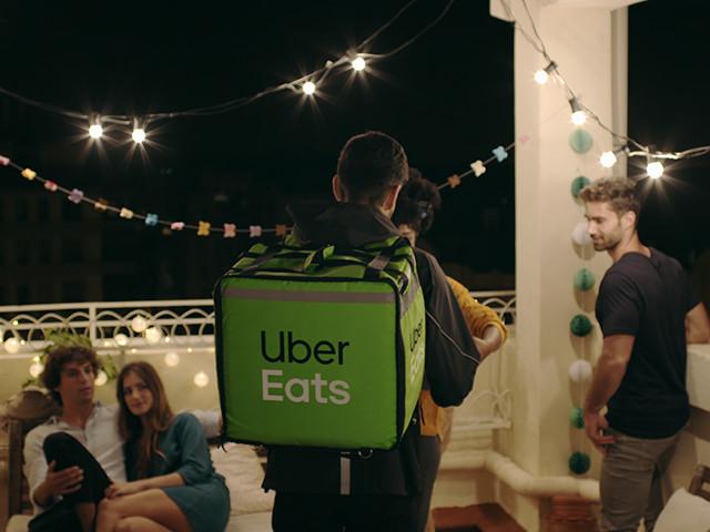 Uber Eats lance la livraison de repas 24h/24 et 7 jours/7