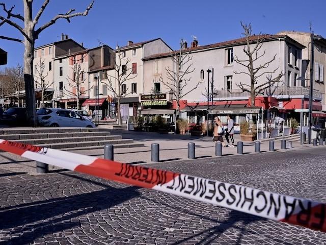 Suprémacisme blanc, complotisme, jihadisme : le Covid-19 doit-il faire craindre un regain des extrémismes ?