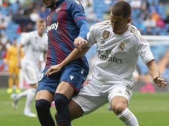 Eden Hazard tout près d'un premier but en Liga dès son entrée au jeu contre Levante