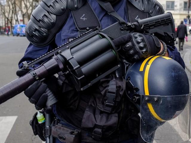Deux enquêtes ouvertes après la blessure d'un homme par un tir de LBD à Tourcoing