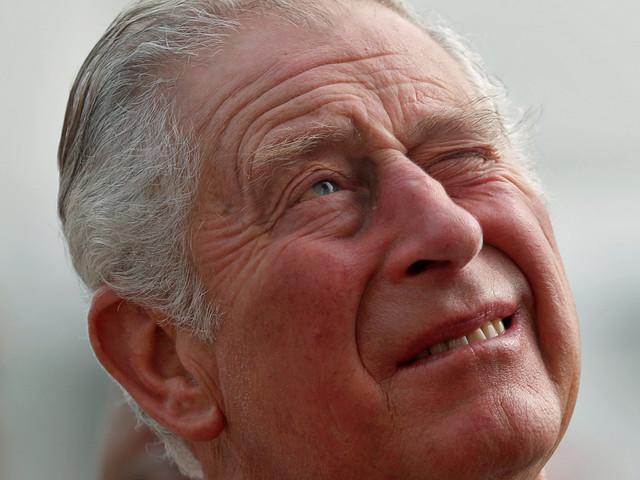"""Futur roi d'Angleterre, Charles fait face à des défis """"sans précédent"""" dans le royaume et à l'étranger"""