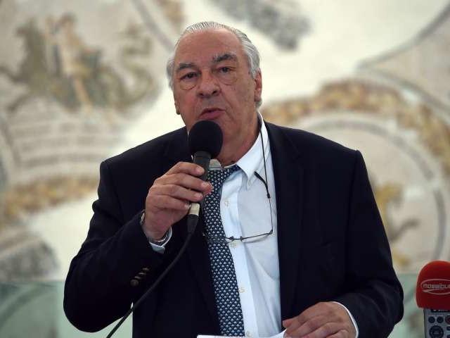 Didier Decoin succède à Bernard Pivot à la tête de l'académie Goncourt