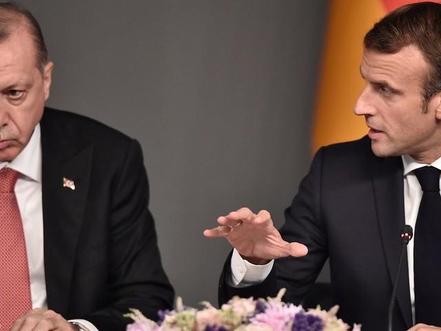 """Après les """"insultes"""" d'Erdogan contre Macron, l'ambassadeur turc convoqué"""