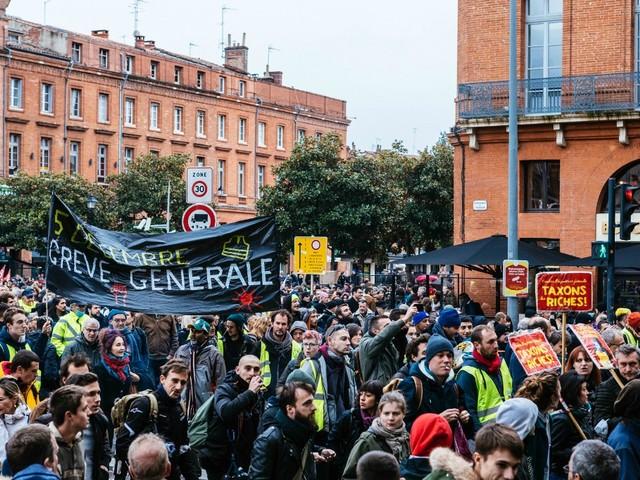 5 décembre : quand le bloc bourgeois relance la lutte des classes