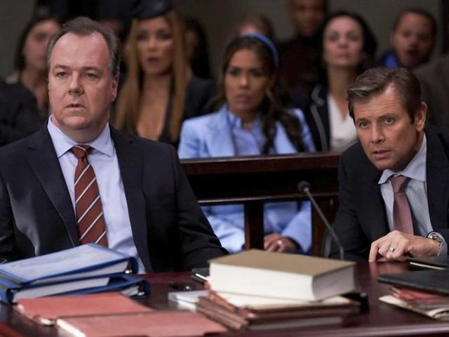 Dynastie saison 3 : Épisode 8, le procès de Blake et le retour de SPOILER, notre verdict du Mid-season Finale