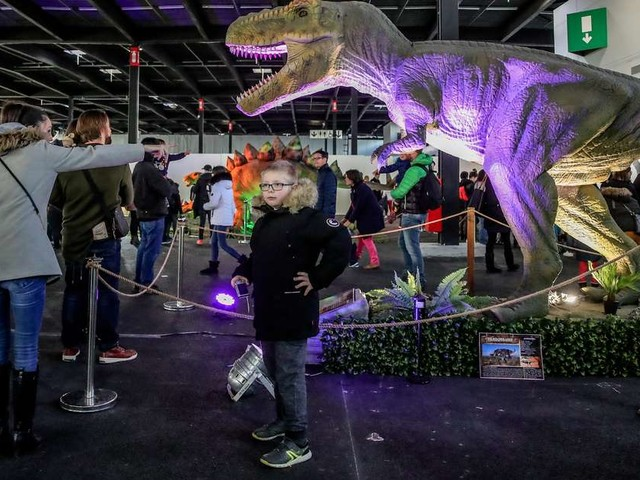 Vidéo. Les dinosaures ont envahi le parc des expositions à Bordeaux pour le week-end