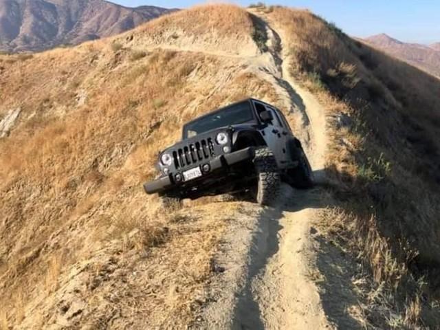 Photos : mais comment cette Jeep est-elle arrivée là ?