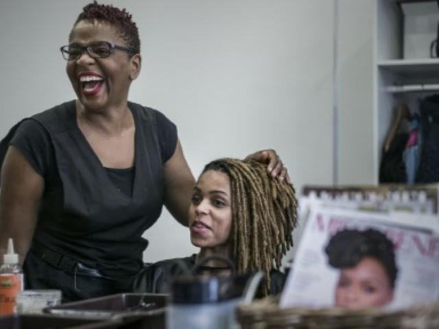 """Les """"Nappy"""" : la """"liberté"""" jusqu'au bout des cheveux afro"""