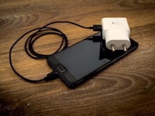 Les médecins alertent sur les dangers des chargeurs de portables