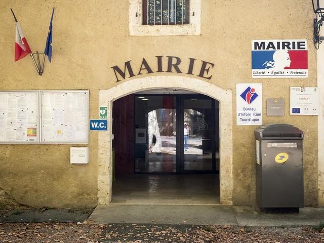 """Pouvoirs de police, indemnités, formation : ce que le projet de loi """"proximité"""" va changer pour les maires"""