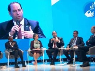 Youssef Chahed représente la Tunisie au forum de la paix à Paris