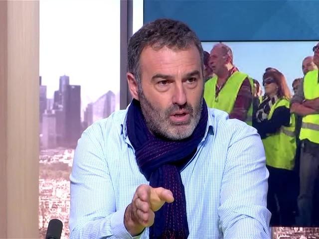 """AUDIO - """"Macron, il a très très peur"""" : quand le Gilet jaune Christophe Chalençon agite la menace d'un coup d'Etat"""