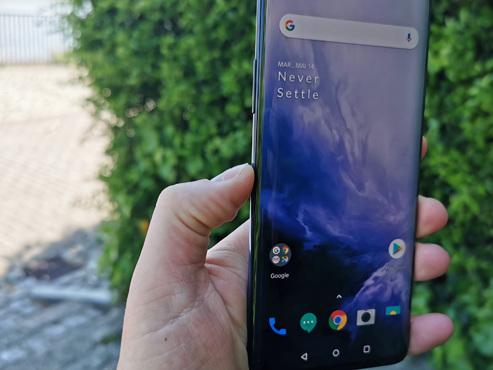 """OnePlus 7 Pro : le smartphone """"tueur de flagship"""" monte encore en gamme et nous sort le PLEIN ÉCRAN (vidéo)"""