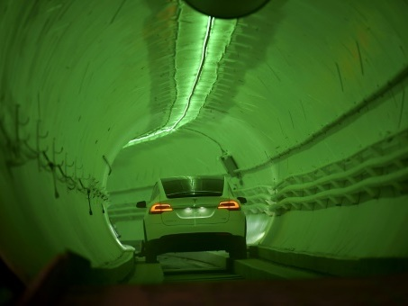 Los Angeles: Elon Musk dévoile un tunnel pour révolutionner les transports urbains
