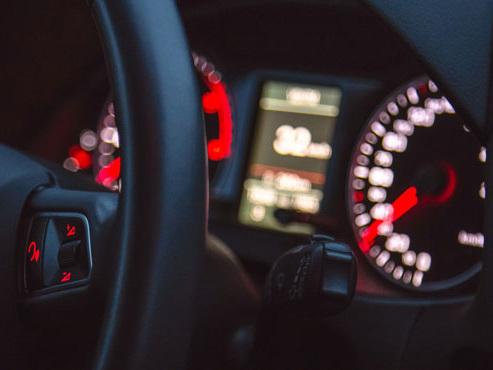 Une voiture autonome d'Uber avait percuté et tué une femme: le logiciel INCAPABLE de reconnaître un piéton hors des passages cloutés