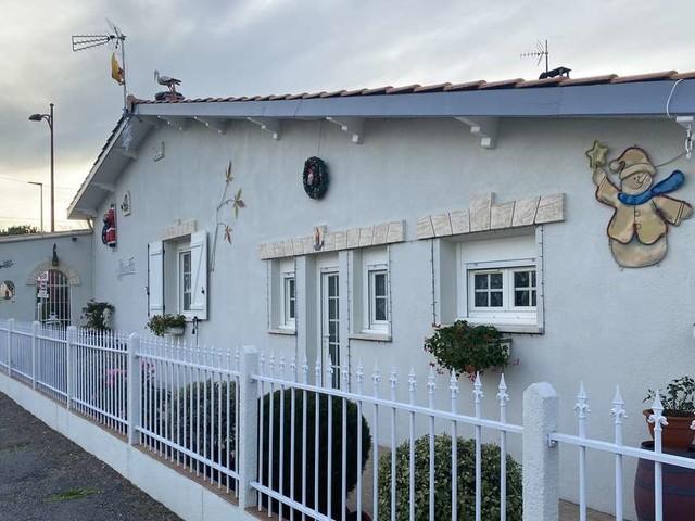 Covid-19 : pas de visites de la maison du Père-Noël de Carbon-Blanc cette année