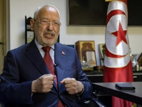 """Tunisie: le chef du Parlement Ghannouchi appelle à """"la lutte pacifique"""" contre le """"pouvoir absolu"""""""
