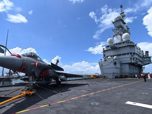 La France mobilise son porte-avions contre Daech