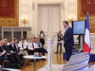 """Après 7 mois de """"gilets jaunes"""", la France lance une réflexion sur le maintien de l'ordre"""