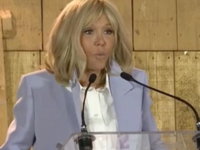 """Brigitte Macron furieuse des """"petites phrases"""" d'Emmanuel Macron ? (VIDEO)"""