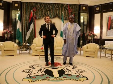Le président Macron au Nigeria pour donner une image moderne de l'Afrique
