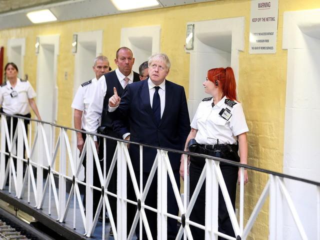 Après un «black-out» sur 75000 criminels européens, Londres tente d'étouffer l'affaire