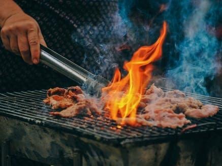 Barbecue : gaz, électrique ou charbon, quel est le meilleur choix ?