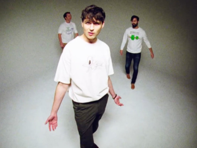 """Vampire Weekend reprend """"Don't Dream It's Over"""" de Crowded House"""