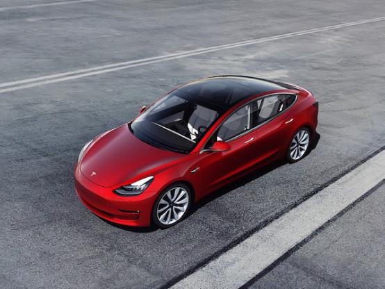 Voiture électrique: la Tesla 3 déjà numéro 1 des ventes en Europe