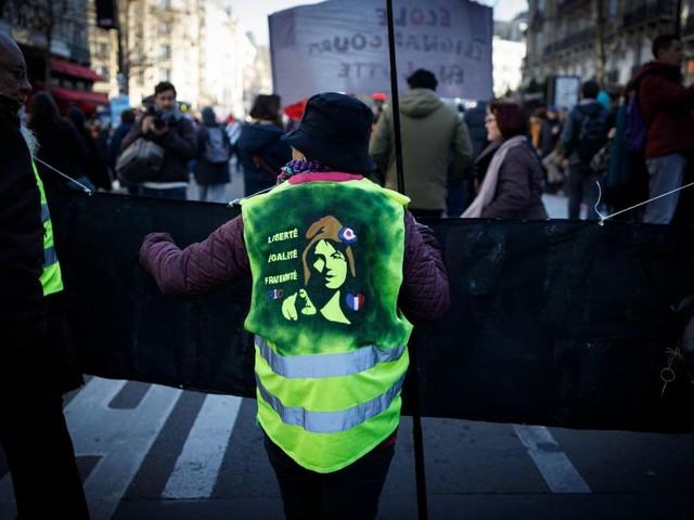 France: quelques milliers de Gilets jaunes manifestent à Paris, 59 interpellations (vidéo)