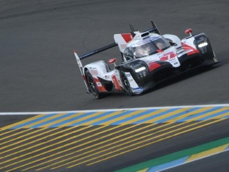 24 Heures du Mans: la course s'anime mais Toyota domine