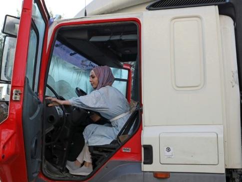 Entrepreneuses, camionneuses, artistes... des Palestiniennes s'émancipent