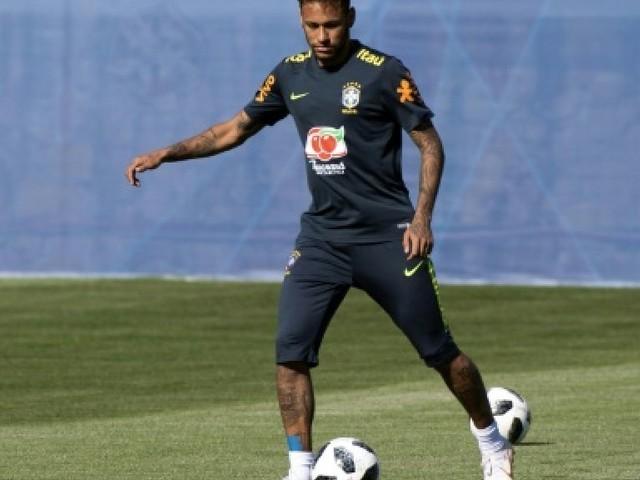 Mondial-2018: Neymar star du marché des transferts... d'images Panini