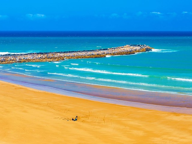 Voici la carte des 21 plages et du port de plaisance classés Pavillons Bleus cette année